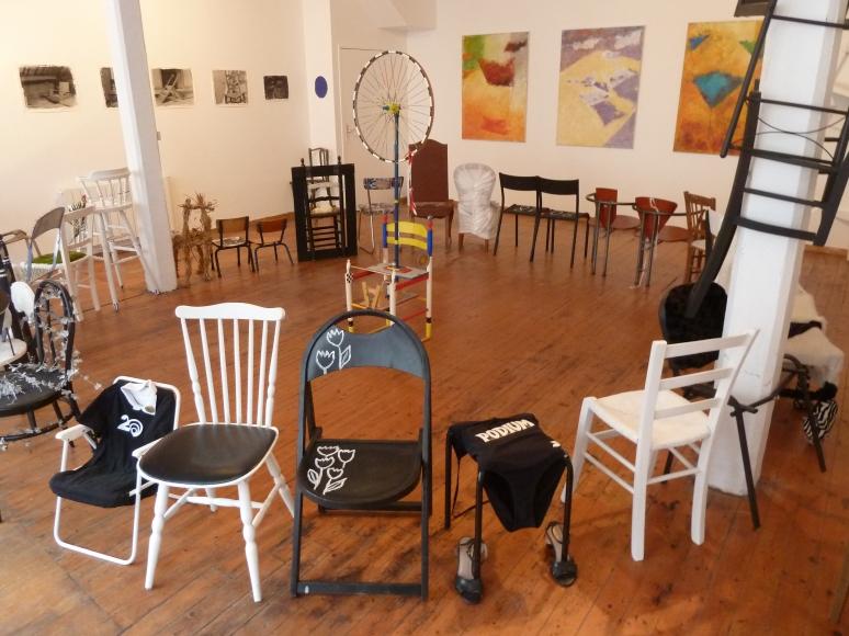 photo expo chaises L'Ephémère à Port-Louis